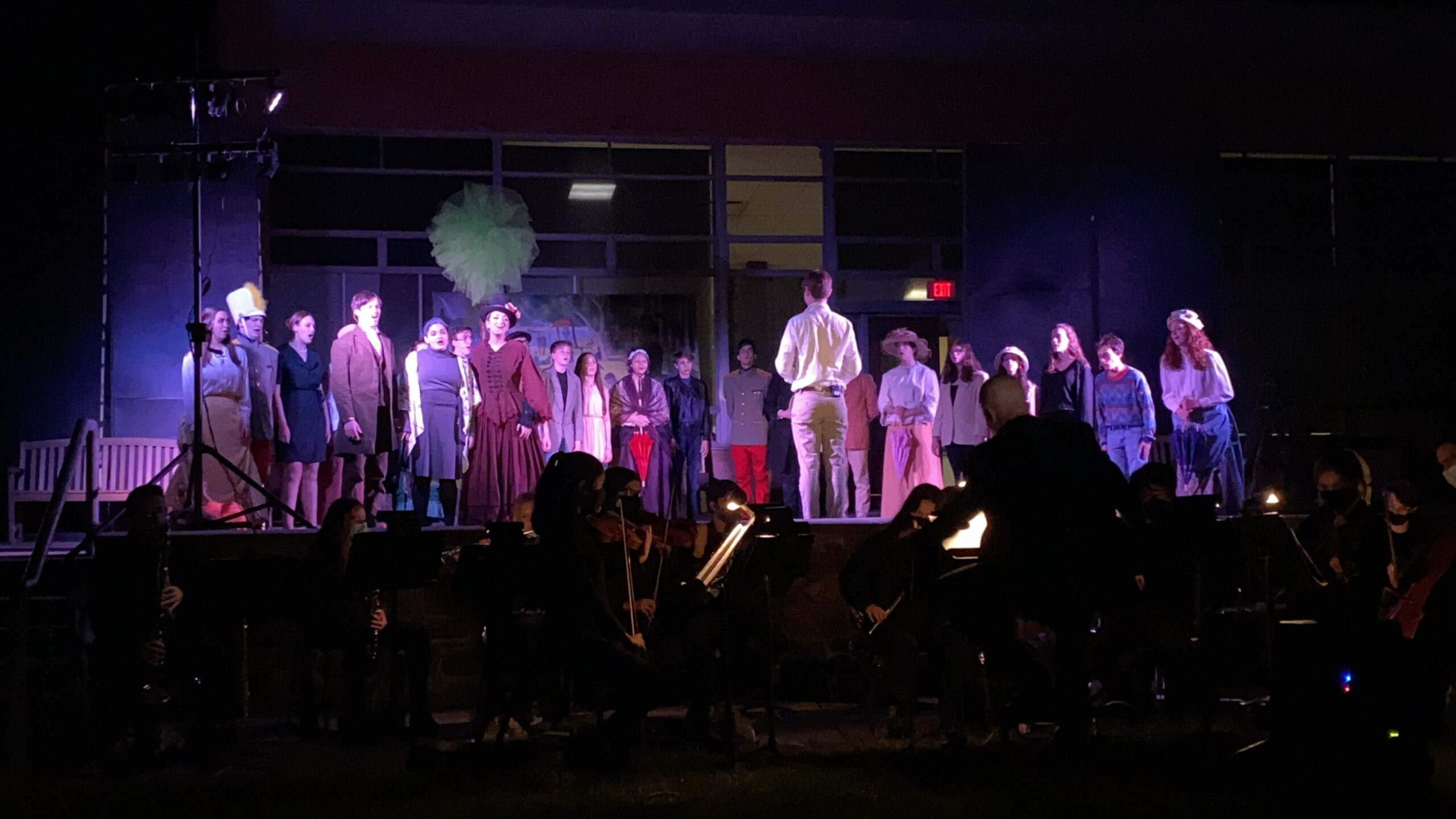 Warde Drama Performs 'Sunday in the Park with George', in the Courtyard